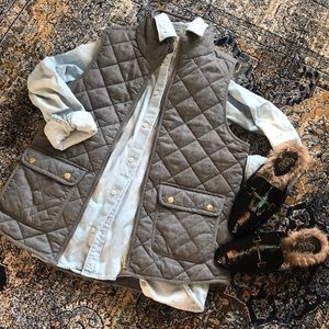 Artisan NY quilted gray and gold vest sz medium